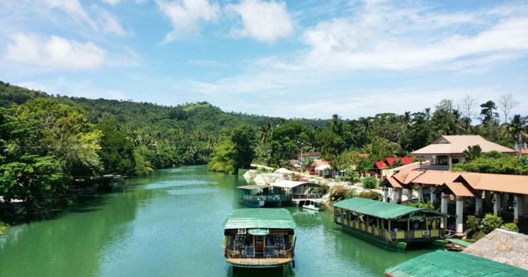 フィリピン・セブ島のフェリーと風景