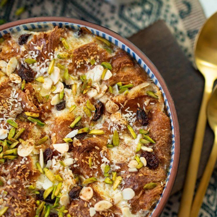 エジプト版パンプディング「オム・アリ」。パンの代わりにパイを使うのが特徴。
