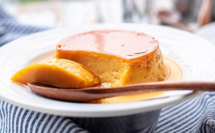 フィリピンのプリン「レチェ・フラン」。見た目はプリンそのもの、卵が多く使われていて濃厚。