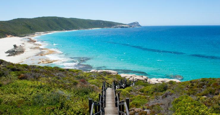 西オーストラリアにあるトルンディロップ国立公園のビーチの風景